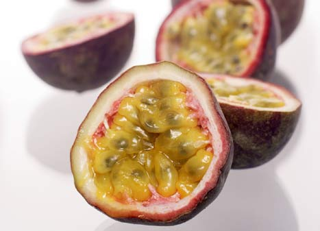 Passion Fruit - Facts, Health Benefits, Nutrition and Pictures