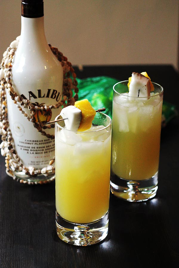 Top 10 coconut rum drinks with recipes for Great vodka mixed drinks