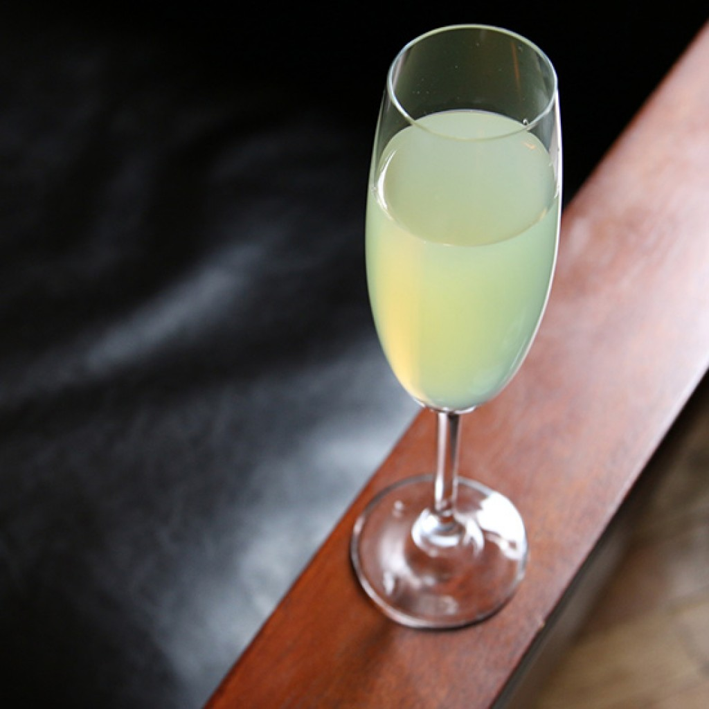 10 of the best absinthe drinks with recipes for Champagne mixed drinks