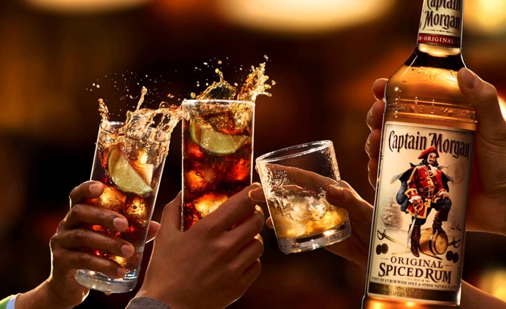 Top 10 captain morgan drinks with recipes for Mix spiced rum with