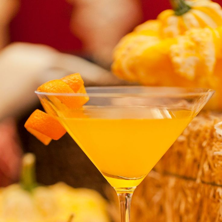 Thanksgiving Day Drinks: 10 Of The Best Thanksgiving Cocktail & Mocktail Drinks
